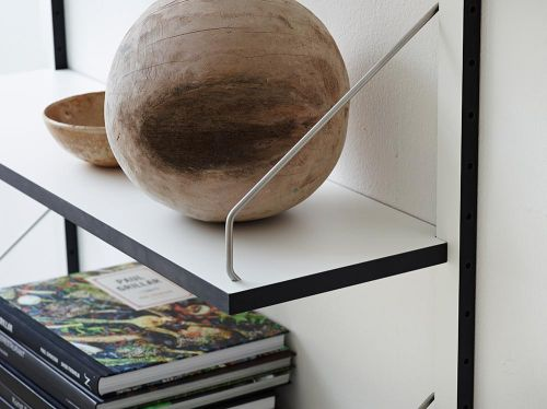 detail-midcentury-shelf