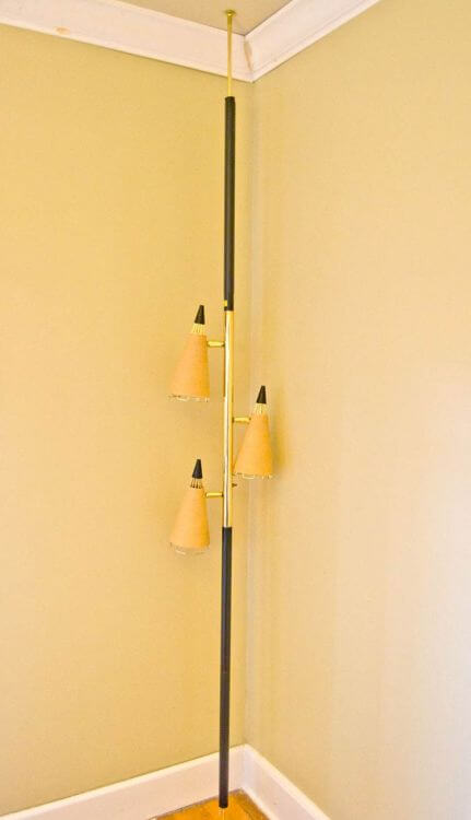 mid-century-retro-pole-light