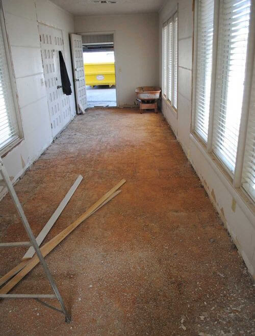 removing-old-flooring