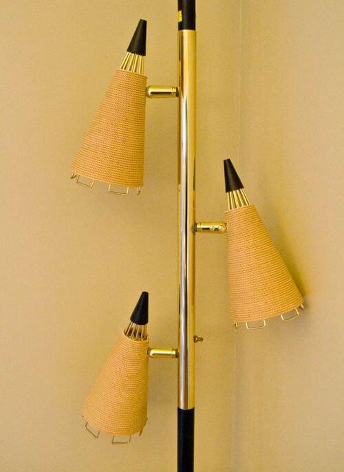 retro-wire-pole-light