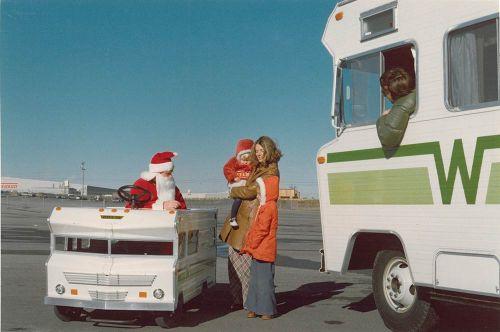 Santa-in-mini-vintage-winnebago