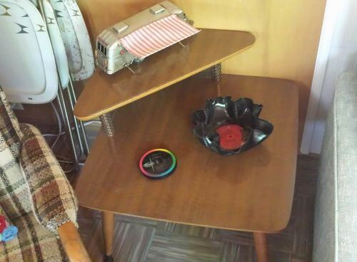 retro-end-table