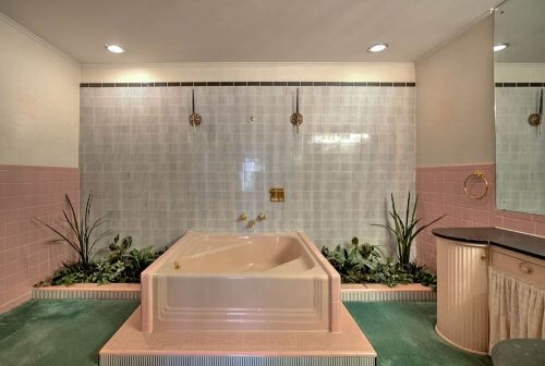 retro-pink-tub-with-planters