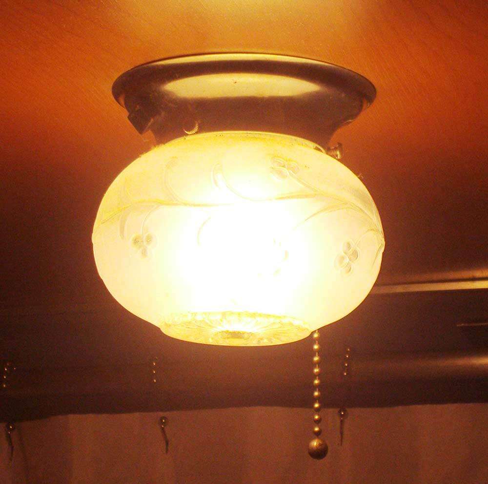 Light Fixture For Vintage Camper: Shelly And Greg's 1958 Universal Terra Cruiser Trailer