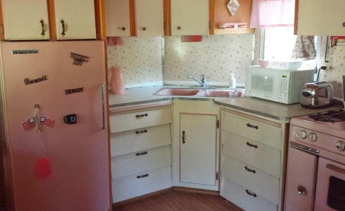 vintage-pink-trailer-kitchen