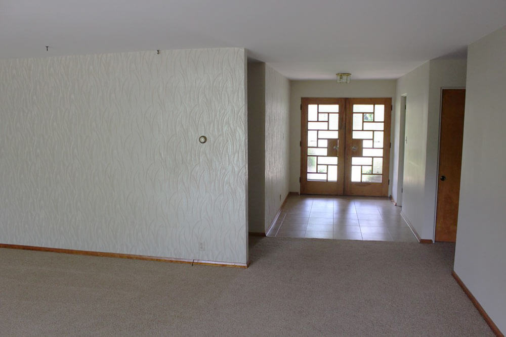midcentury-entryway