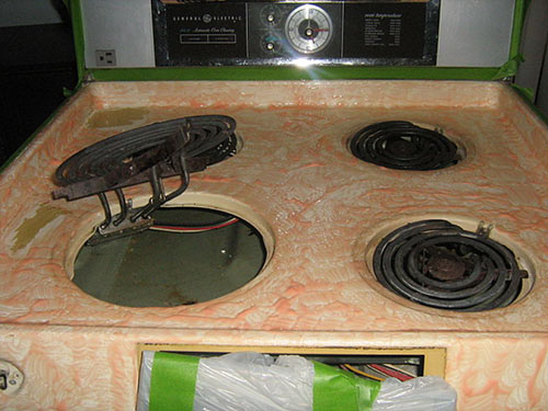 Parts, service and advice to fix old stoves and other