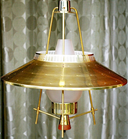 mid-century-colonial-kitchen-light