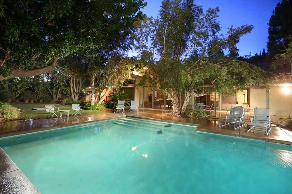 midcentury-swimming-pool