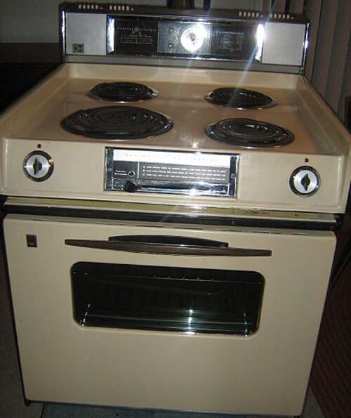 Jacqueline And Glen Return A 1970s Harvest Gold Stove To