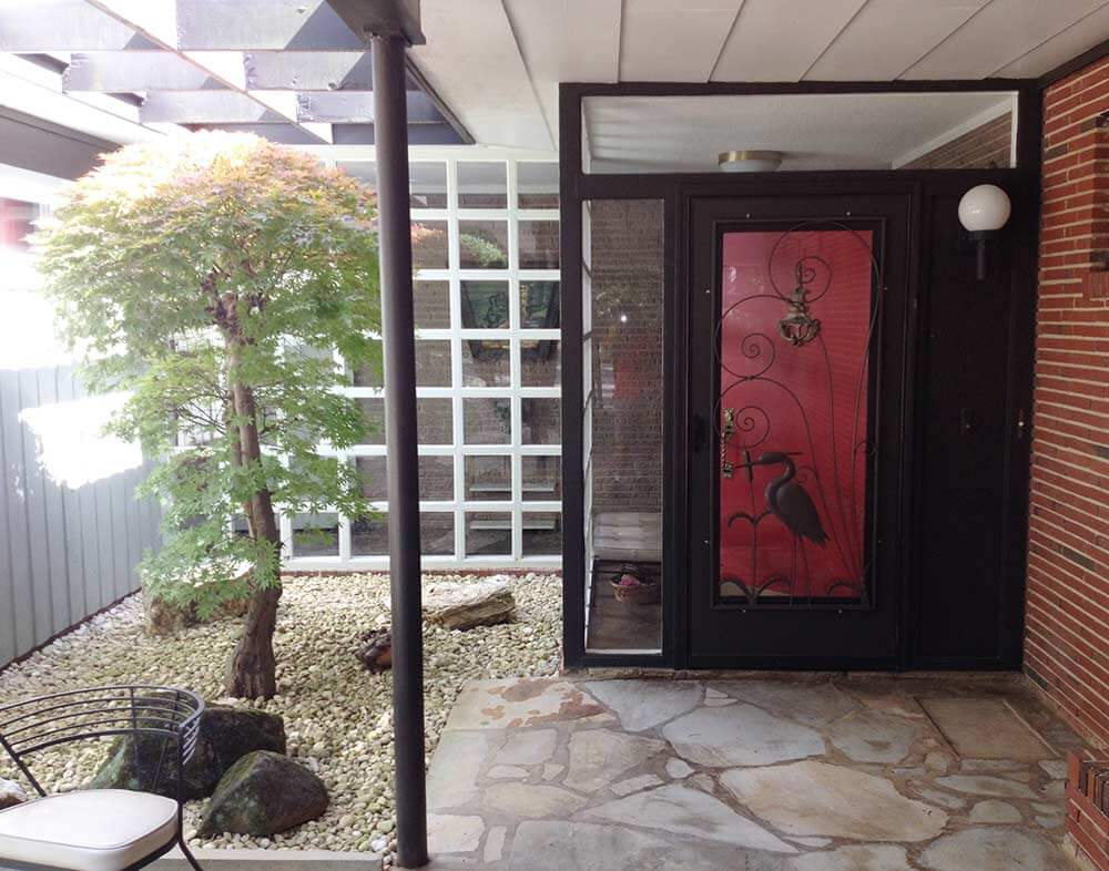 Gabe and amanda rescue and restore a beautiful vintage for Modern screen door