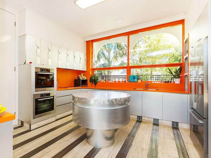 Rent a fabulous australian time capsule esque house 14 for Mid century modern interior window trim