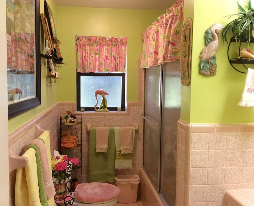 a lilly pulitzer palette for diane 39 s vintage pink tile bathroom retro renovation. Black Bedroom Furniture Sets. Home Design Ideas