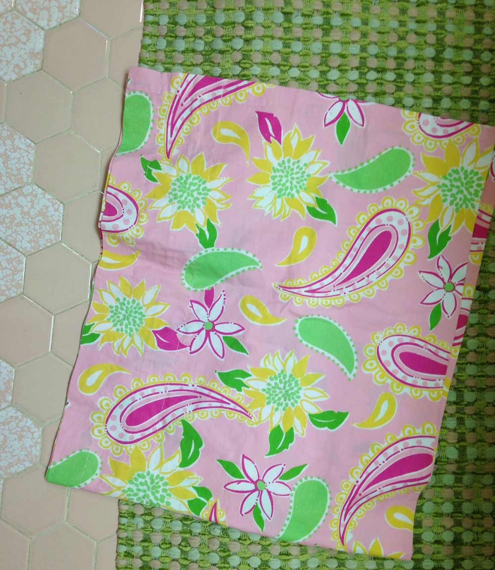 Excellent A Lilly Pulitzer Palette For Dianes Vintage Pink Tile Alphanode Cool Chair Designs And Ideas Alphanodeonline