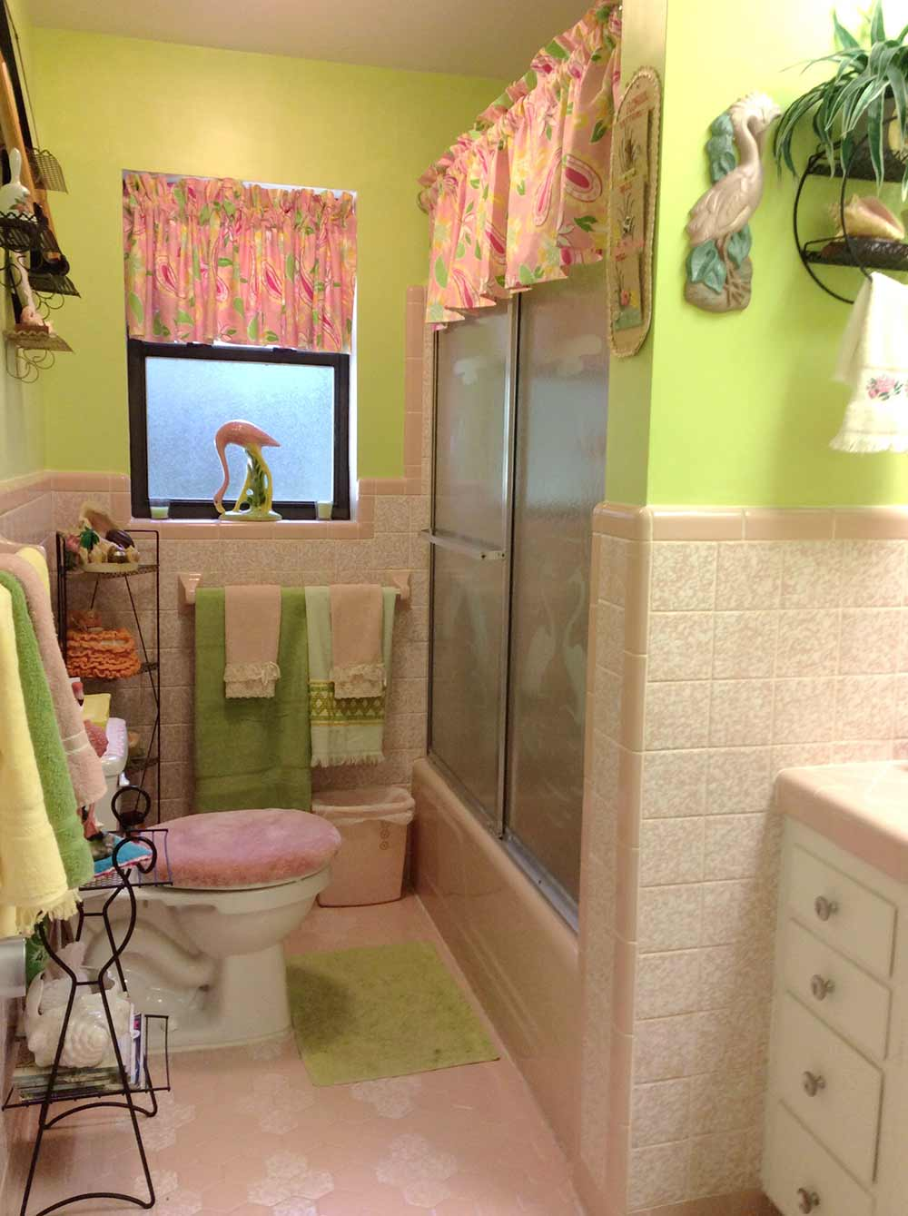 A lilly pulitzer palette for diane s vintage pink tile bathroom retro renovation