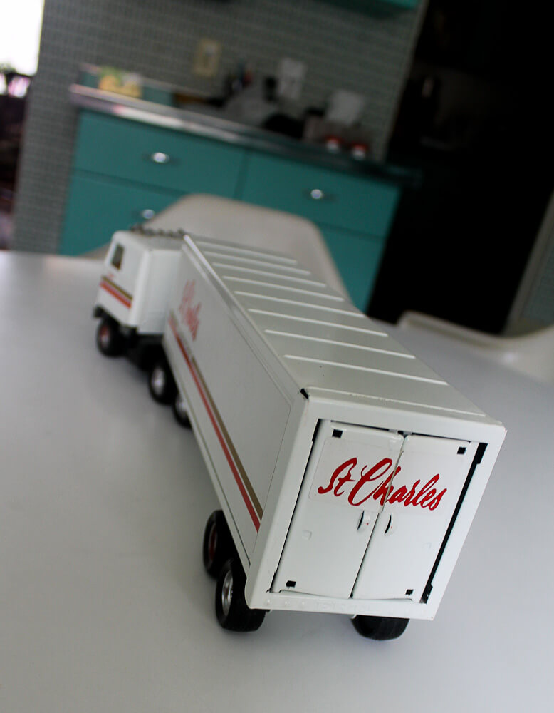 st. charles kitchen miniature truck