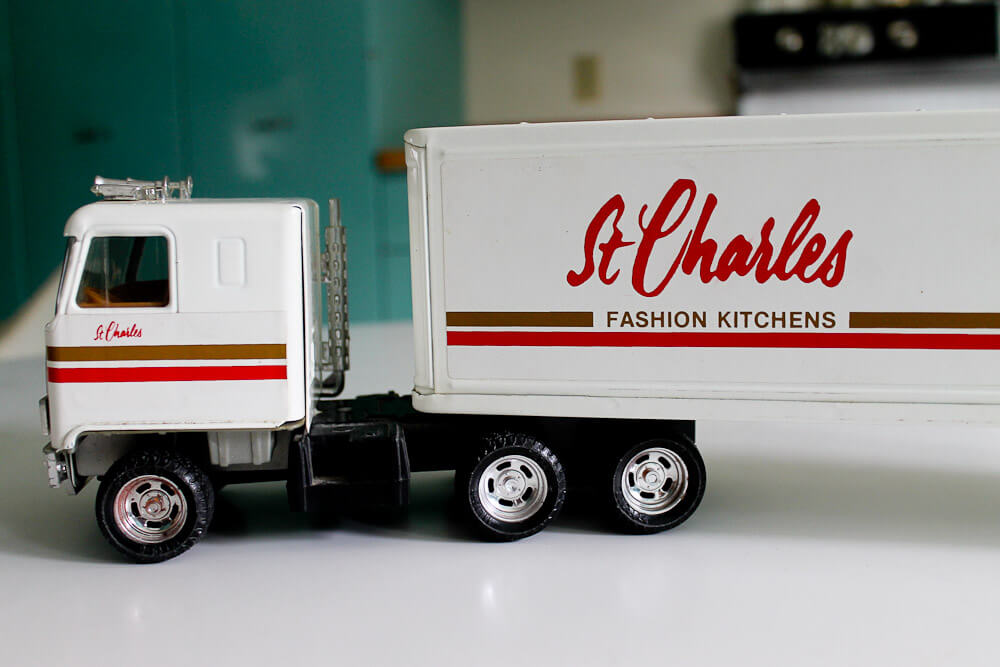 St Charles Kitchens Toy Truck Made By The Ertl Company