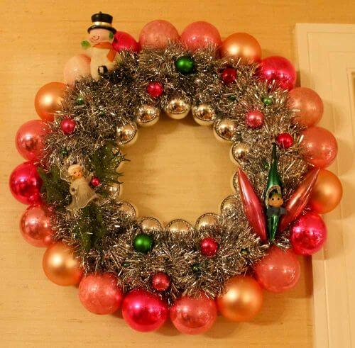 vintage-ornament-wreath-27