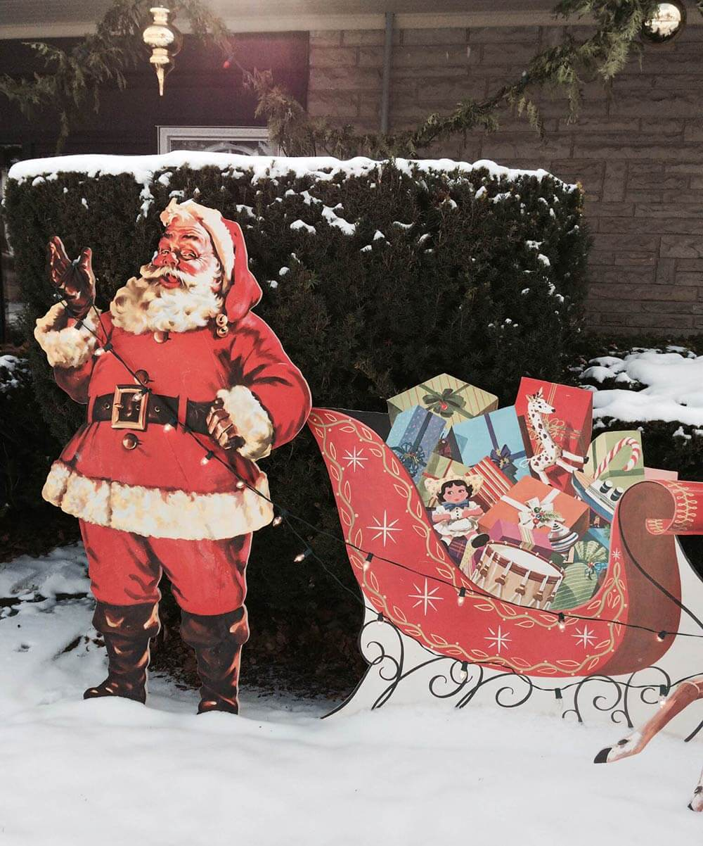 Santa Claus Lawn Decorations: Mike Makes A U-Bild Santa And Reindeer Lawn Display From