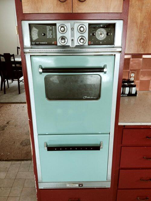 vintage-aqua-wall-oven