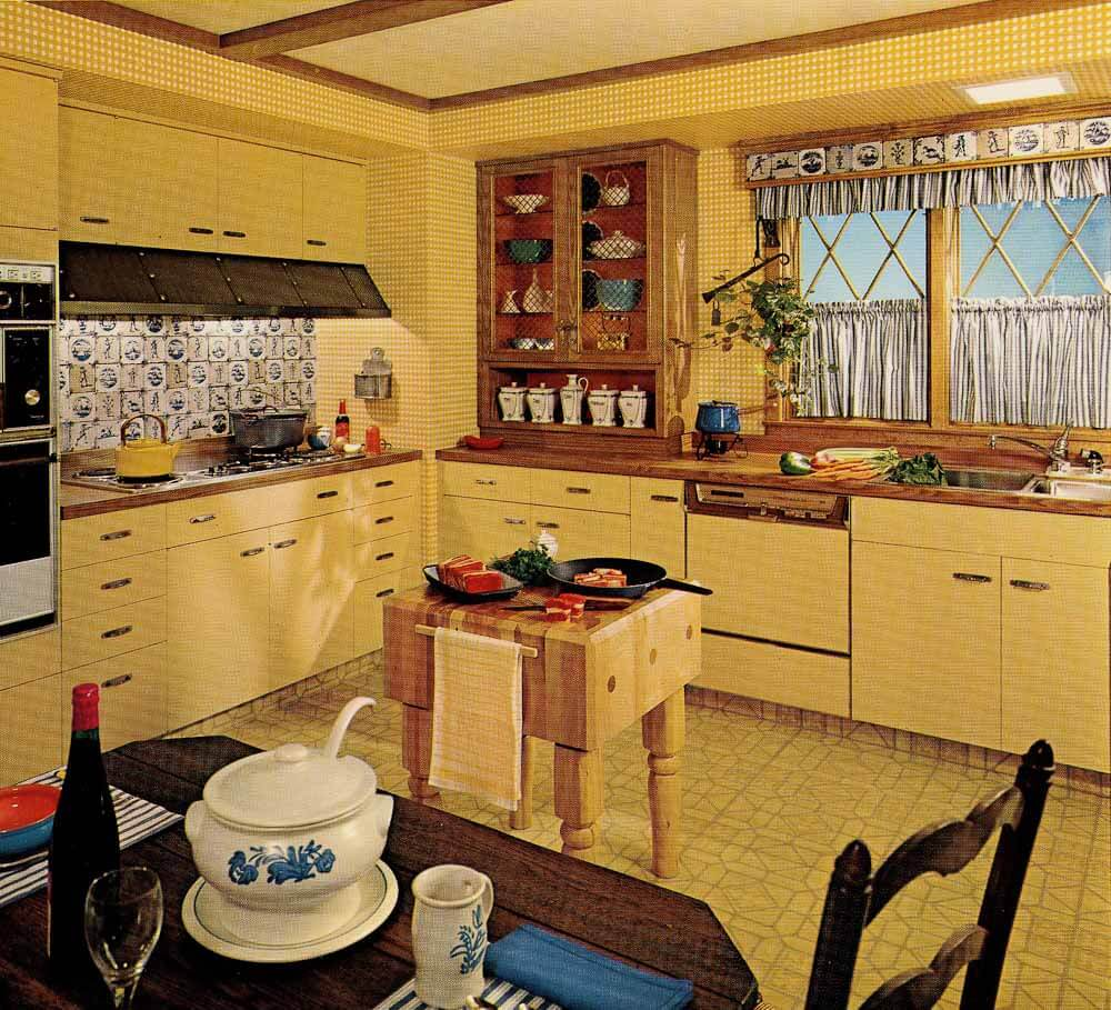 1970s kitchen design one harvest gold kitchen decorated  : 1970s country kitchen 1 from retrorenovation.com size 1000 x 909 jpeg 163kB
