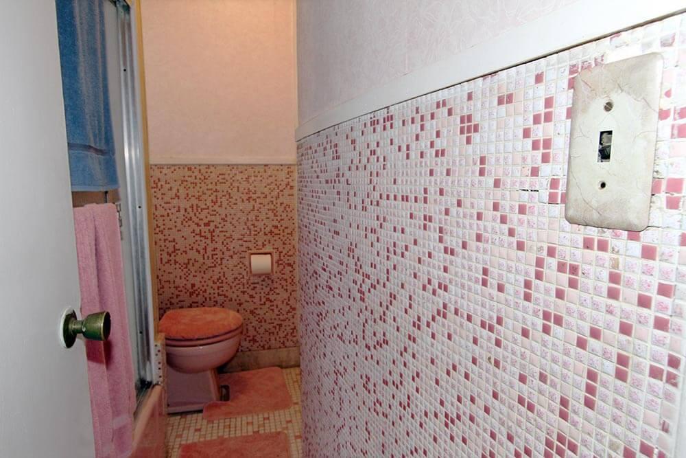 retro vintage bathroom