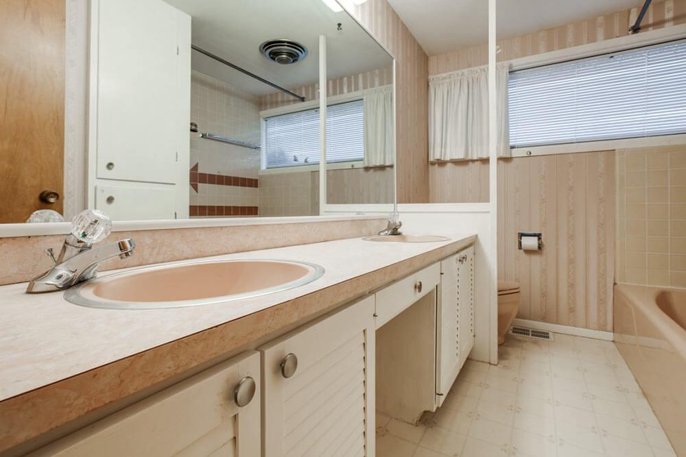 Lovely  midcentury idea house bathroom floor