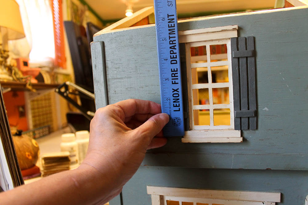 Restoring and decorating my 1940s vintage dollhouse: My action plan