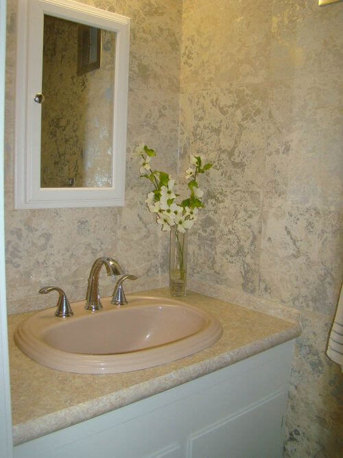 midcentury-peach-bathroom