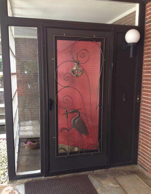 Decorative Uses For Old Screen Doors