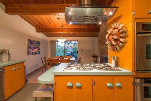 aqua kitchen retro