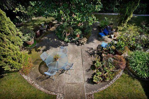 midcentury patio