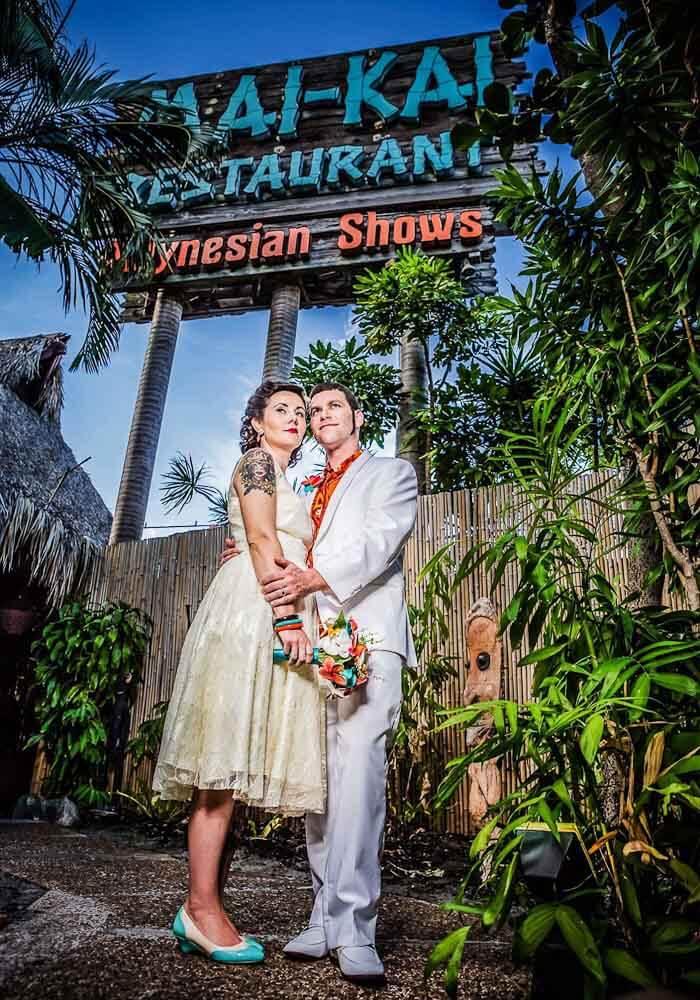 Chelsea And Mike S Memorable Tiki Wedding At The Mai Kai