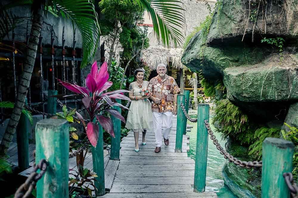 wedding at the Mai Kai