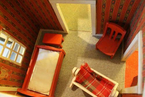 vintage-dollhouse-furniture-5-2