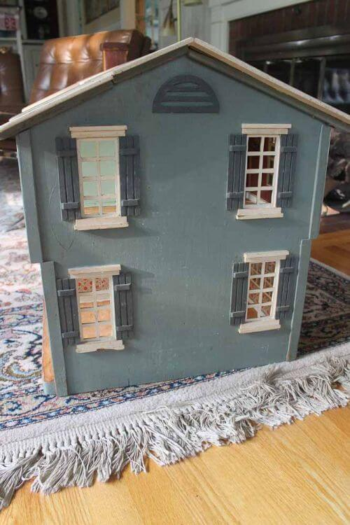 antique-dollhouse-1