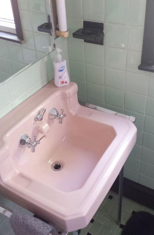 Pink Bathroom Suite