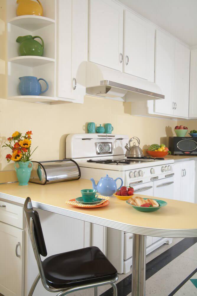 Margie Grace's perfect little 1940s-style kitchen