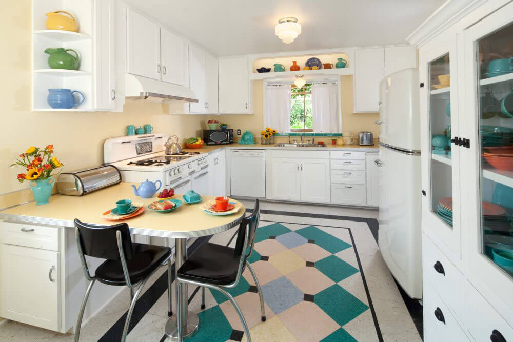 Margie Grace\'s perfect little 1940s-style kitchen
