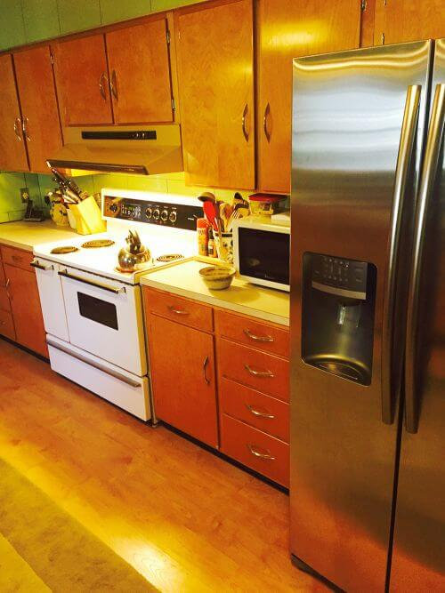 1950s Vitralite tile kitchen