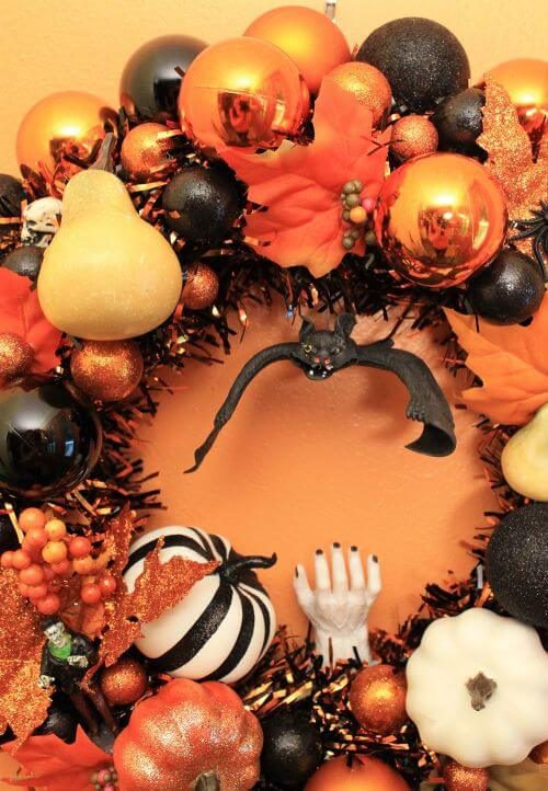 Halloween ornament wreath