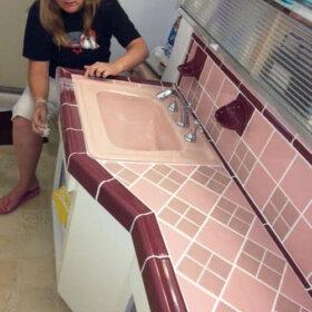 pink and maroon midcentury bathroom