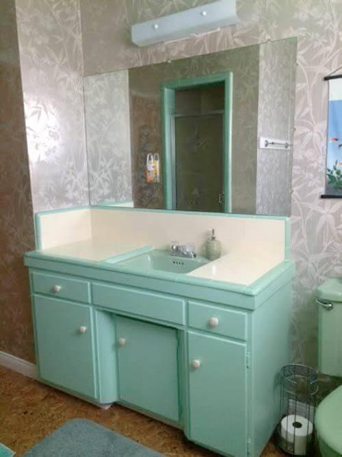 Nice midcentury bathroom
