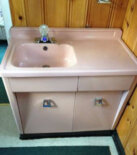 Rare 1950s Shirley steel bathroom vanity — and with a drainboard sink!