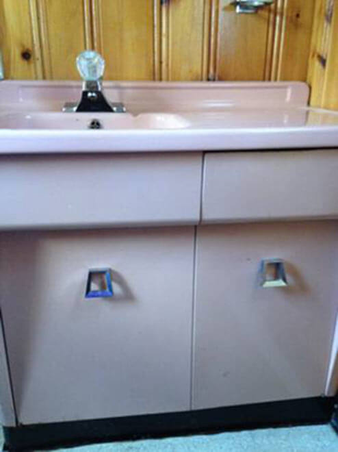 Fancy vintage steel bathroom vanity