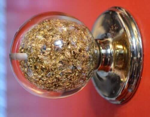 weiser-gold-doorknob