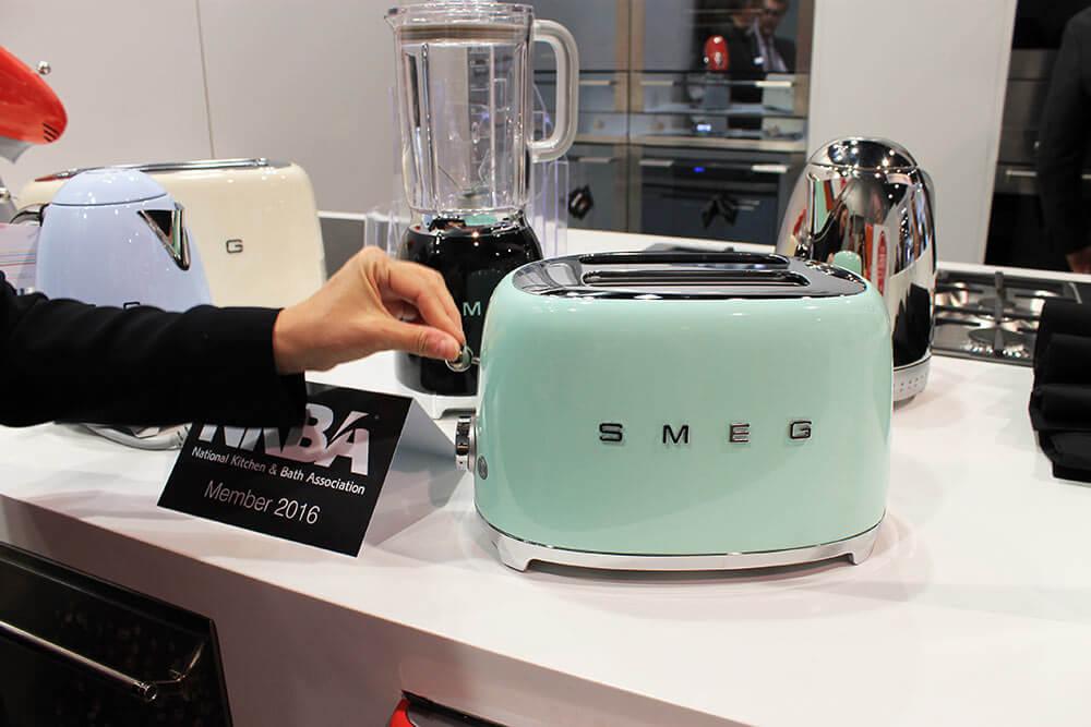 Smeg Appliances At Kbis Retro Renovation