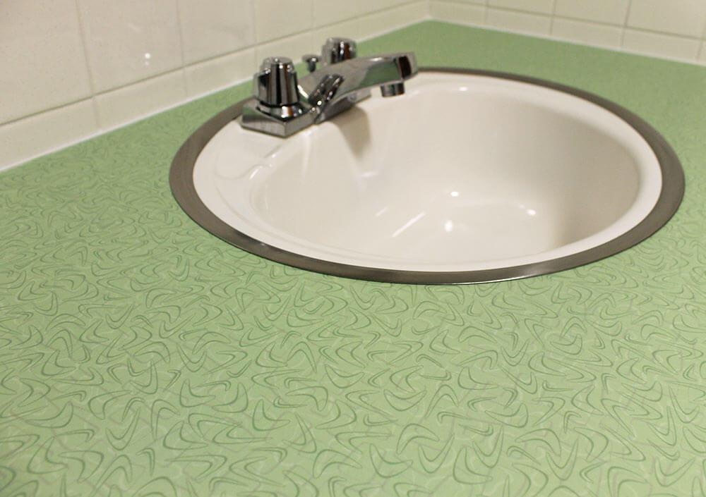 Simple retro green bathroom