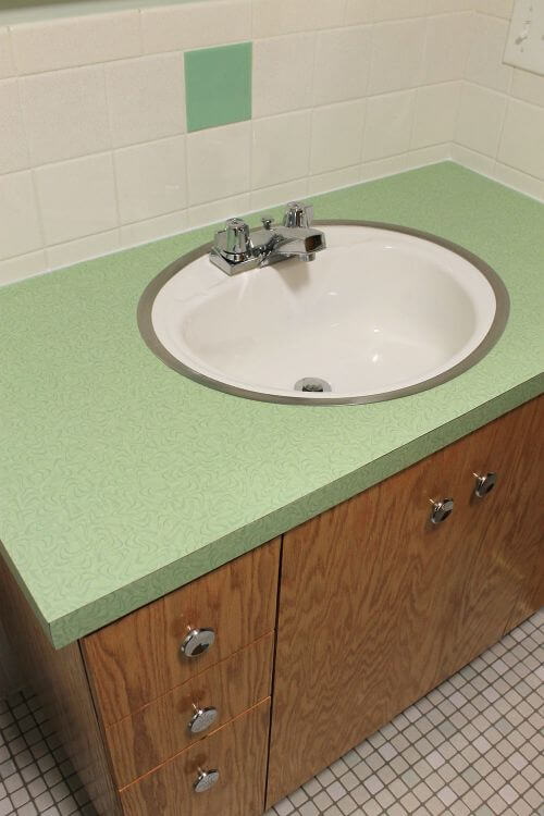 retro green bathroom