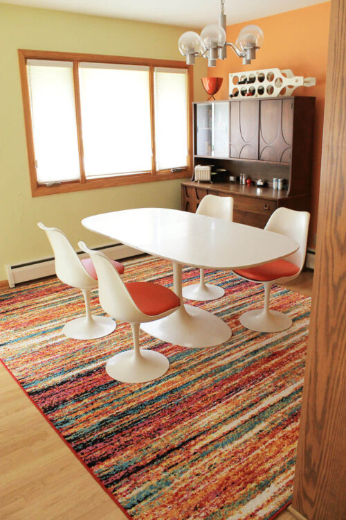 Kate\'s bright and cheery new dining room rug - Retro Renovation